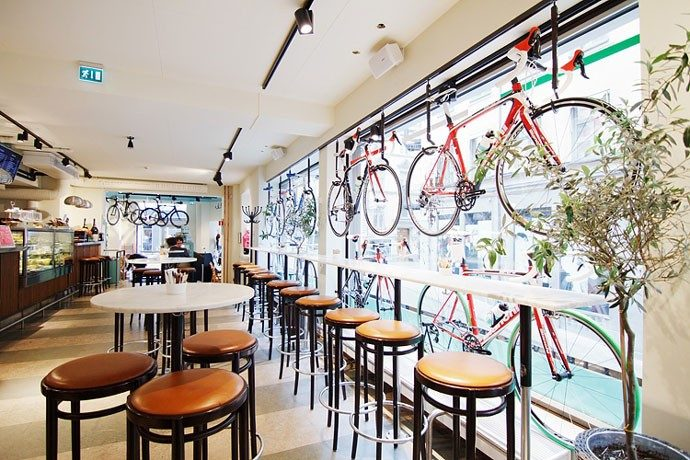 Bianchi cafe cycles for Best lunch in milan