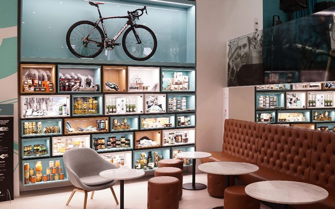 Bianchi-Cafe-and-cycles-restaurant milan