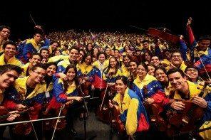 Orquestra Sinfonica Simon Boliva Coro Nacional Juvenil Simon Bolivar 2015