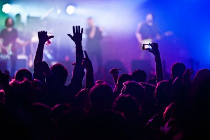A GUIDE TO LIVE MUSIC VENUES IN MILAN - Rock, Indie, Blues & Jazz
